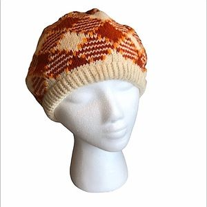 Adorable Vintage winter hat perfect for fall